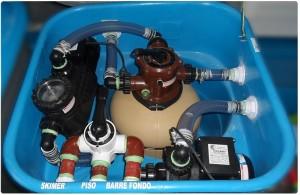 Equipo de filtrado fijo con bomba de agua para pileta y bomba de hidromasaje.