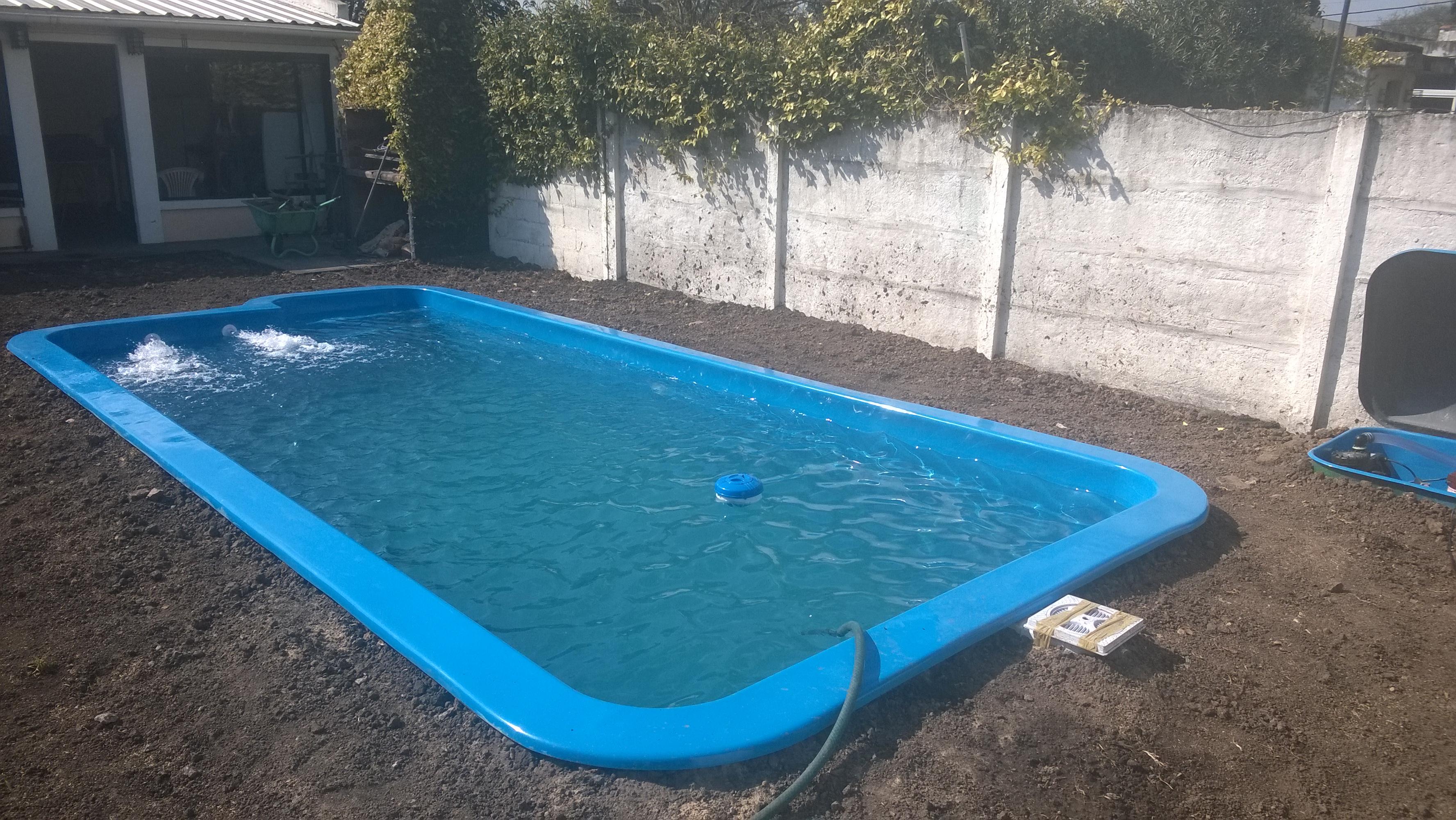 Wp 20140821 001 piletas de fibra de vidrio for Accesorios para piscinas